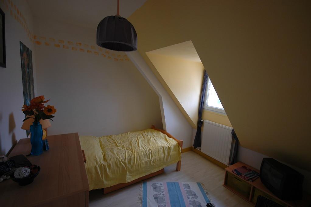 Schlafzimmer oben (Einzelbett)