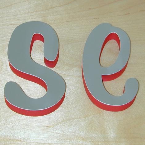 Schaum rot lackiert mit frontseitiger Spiegel - Fläche