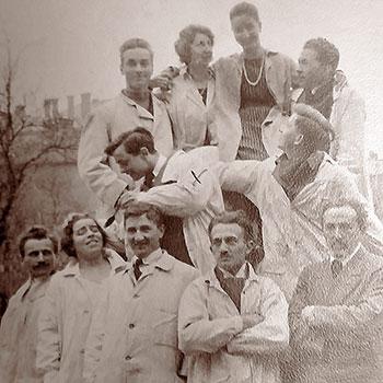 Theodor Steinkühler (Bildmitte) als Student am Bauhaus Weimar 1919