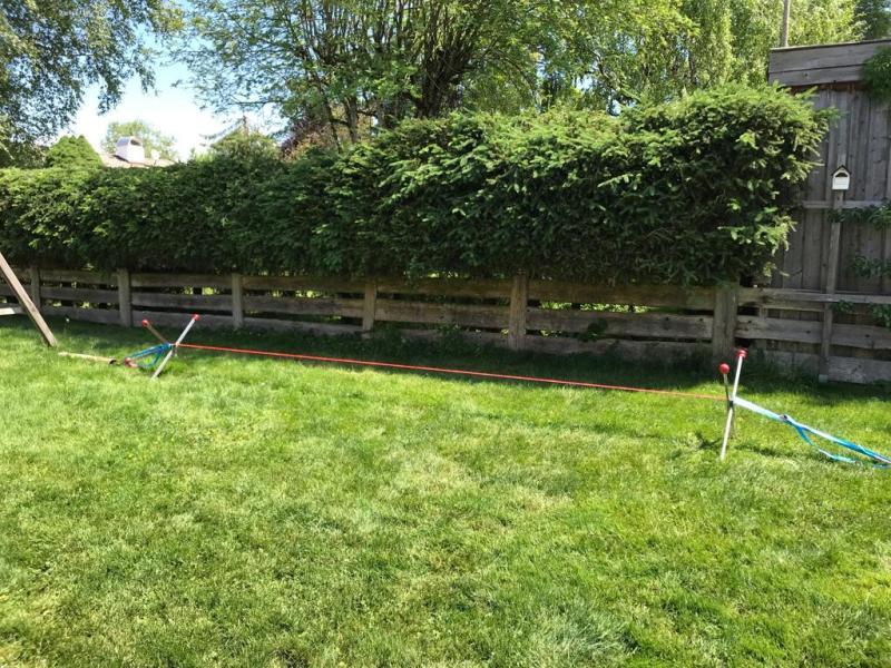 Bewertung 2016-06-19: No-Tree-Slack einmal aufgebaut, steht perfekt stabil im Garten und bringt der ganzen Familie (5-43 Jahre)großen Spaß und Herausforderung! Kleiner Defekt an der Abdeckung der Verpackung wurde sehr kundenfreundlich ausgetauscht. Vie...