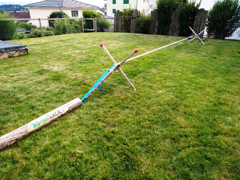 Bewertung 2018-07-02: Wir waren auf der Suche nach einem flexiblen Befestigungssystem für eine Slackline. Das No-Tree-Set macht einen sehr stabilen Eindruck und war in einer guten Stunde aufgebaut. Die langen Erdnägel liessen sich auch in steinigem ...