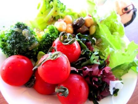 野菜は健康に大切です! しかし、お酒人間には関係ないのですぅ♡