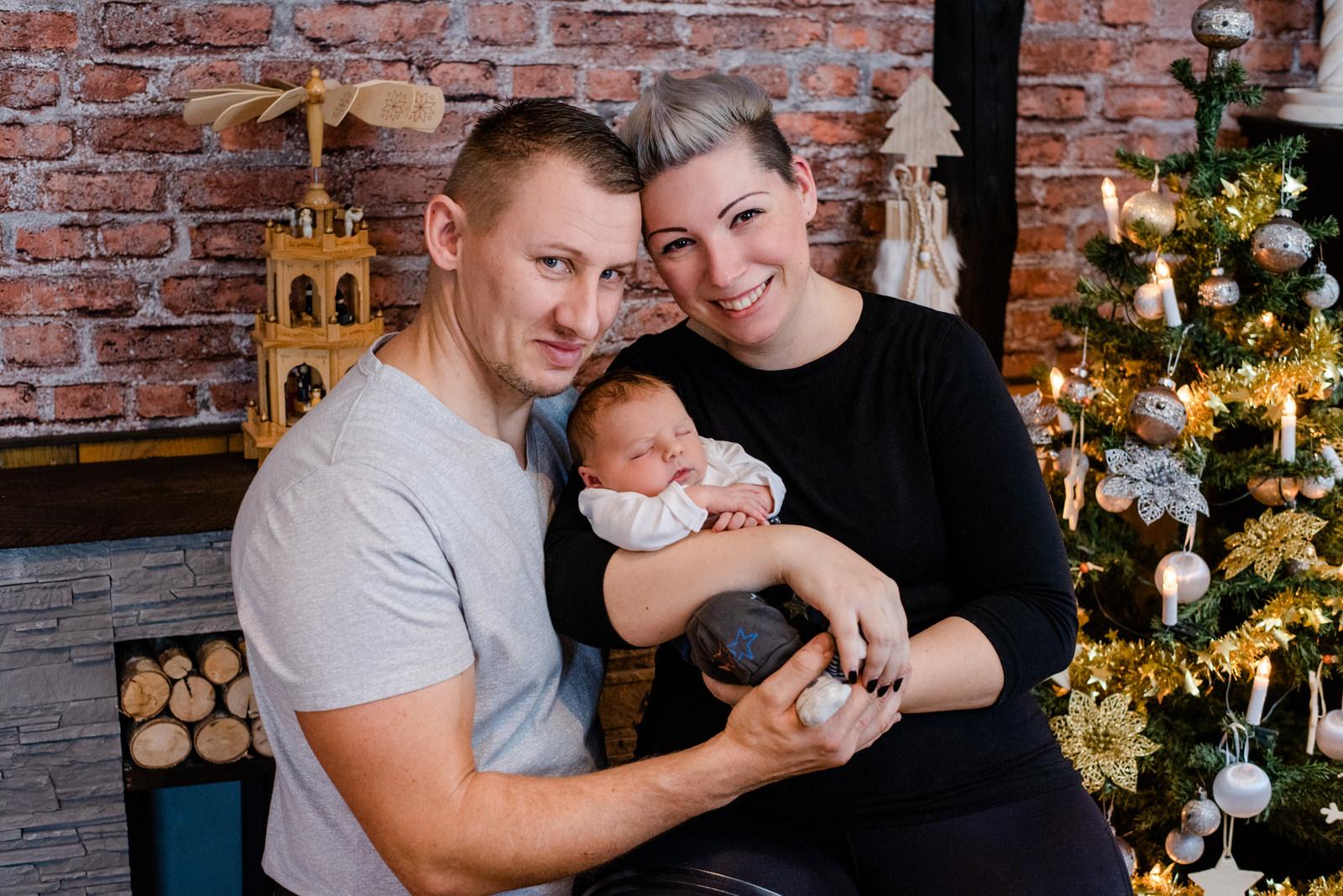 Babyfotos, Neugeborenenfotos, Neugeborenen Shooting in der Nähe von Leipzig, Markkleeberg, Halle, Zwenkau und Borna