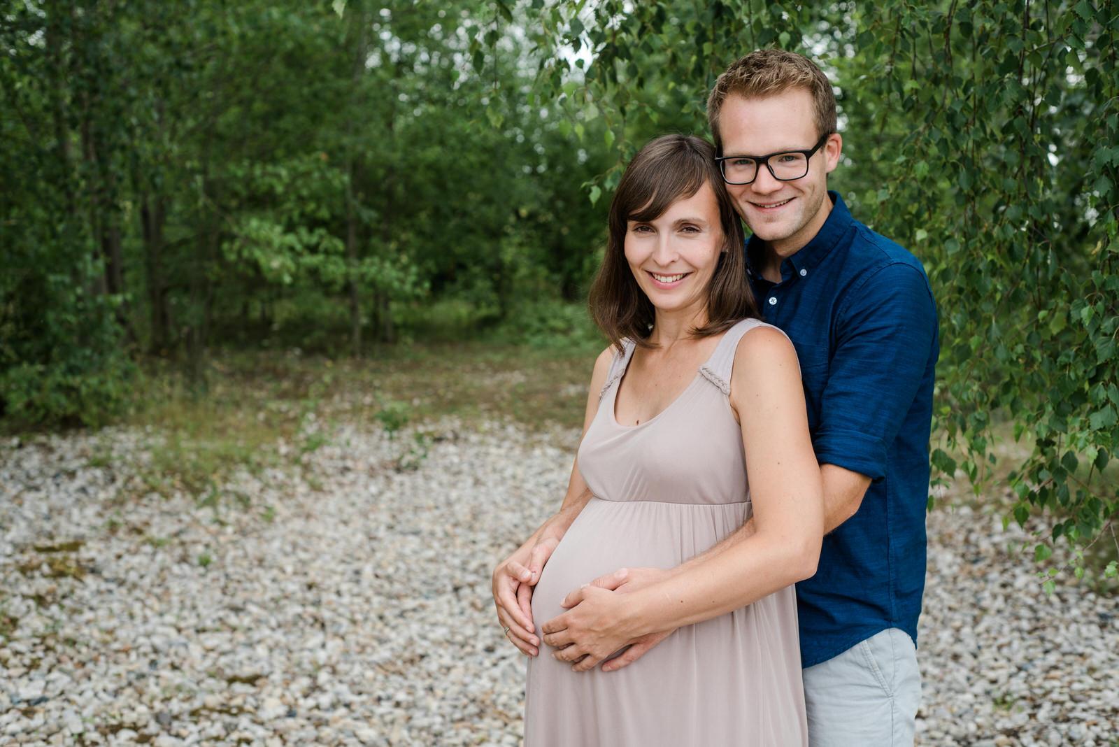 Babybauch Fotoshooting in und um Leipzig, Schwangerschaft Fotoshooting am See