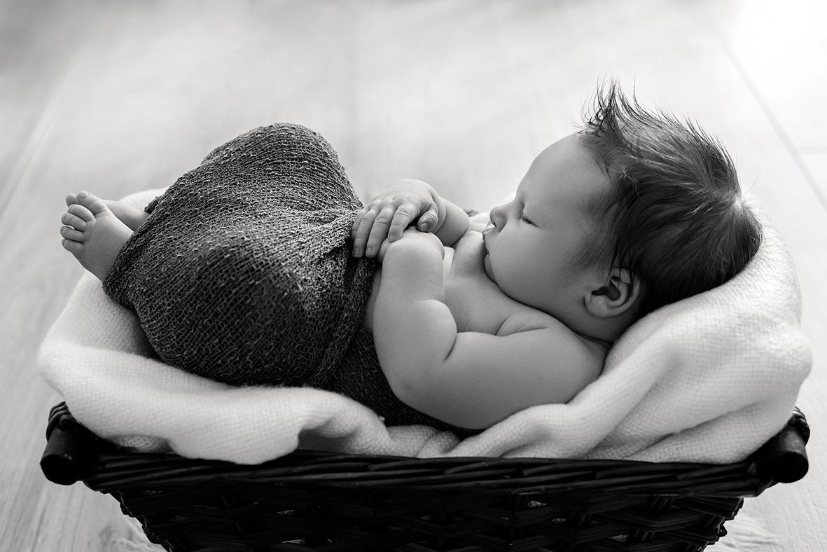 Neugeborenen Shooting zuhause in Leipzig, Babyfotos in Leipzig, Markkleeberg und Halle