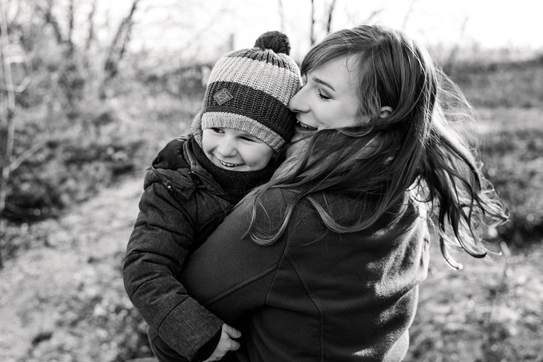 Natürliches Familien Fotohooting in Leipzig mit Familienfotos in Leipzig