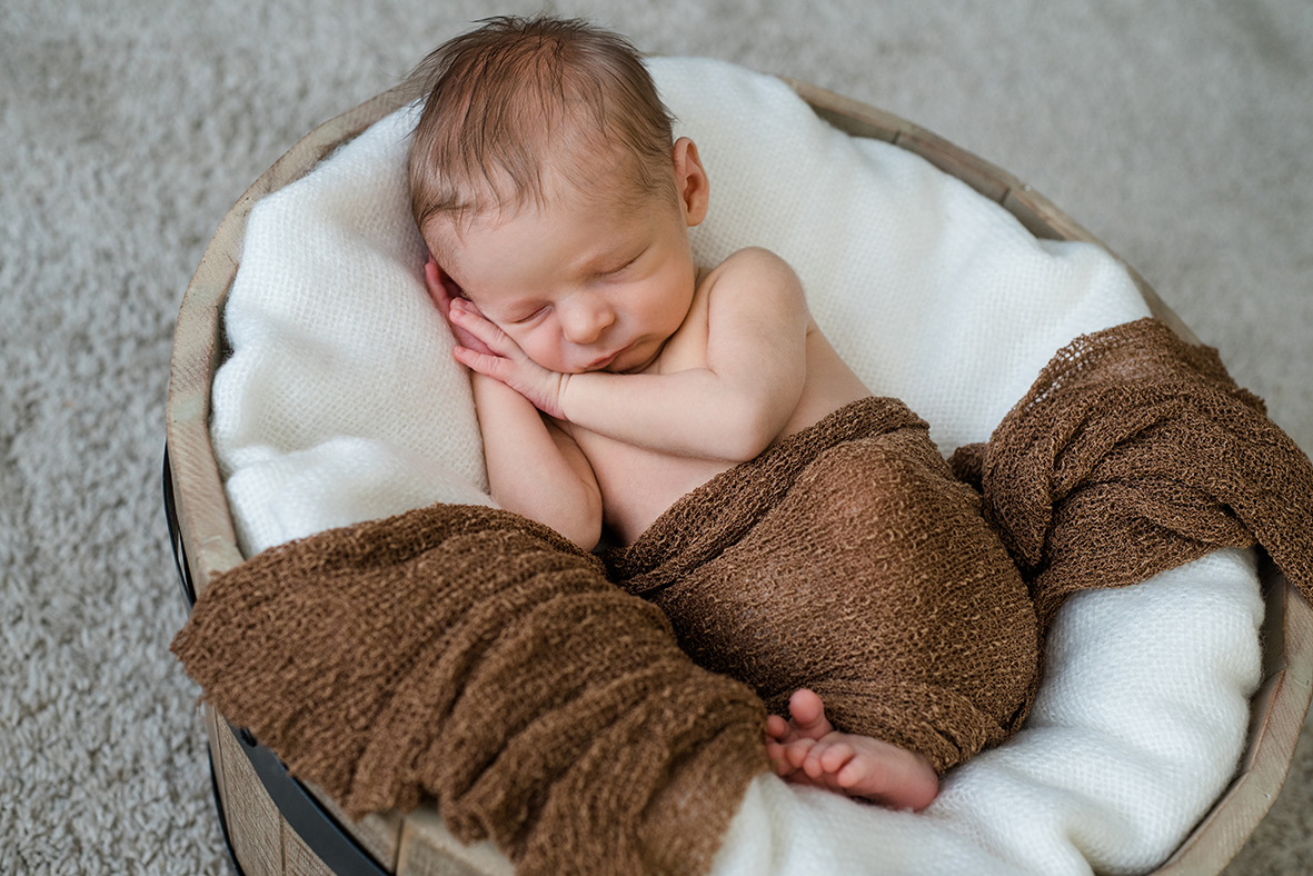 Neugeborenen Fotos zuhause, Babyfotos Leipzig, Baby Fotoshooting Leipzig