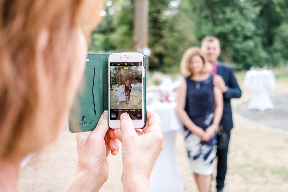 Warum ihr unbedingt einen Hochzeitsfotografen für eure Hochzeit in Leipzig und Umgebung buchen solltet - Heiraten in Leipzig im Herrenhaus Möckern