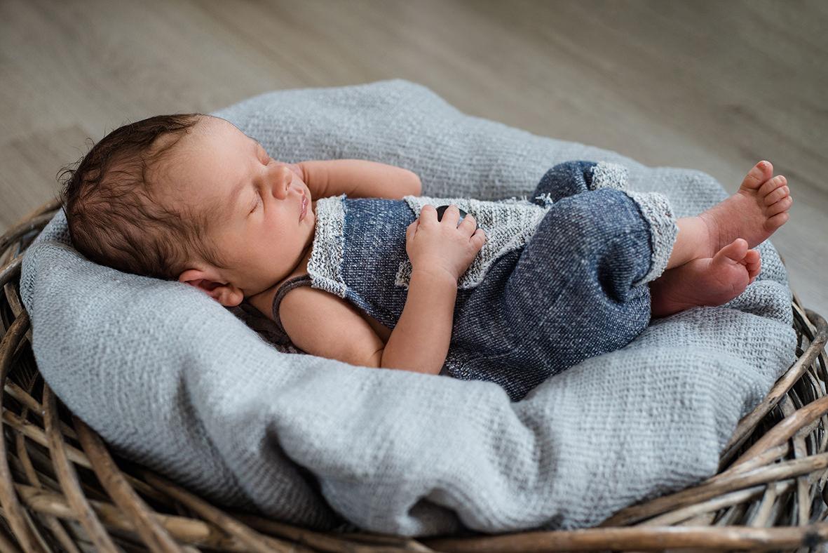 Babyfotos, Babyfotoshooting, Neugeborenenfotos in Hettstedt, Lutherstadt Eisleben und Aschersleben