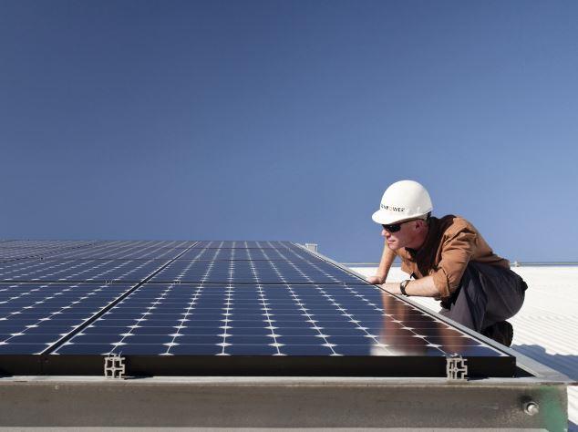 Strom vom Dach - Solarstrom vom Industrie- und Gewerbedach