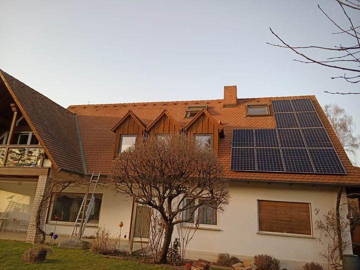 Erdwärmepumpe mit Energiezaun oder Solarzaun