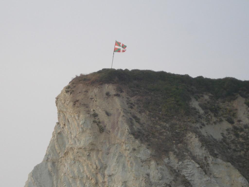 Die baskische Flagge ist oft zu sehen