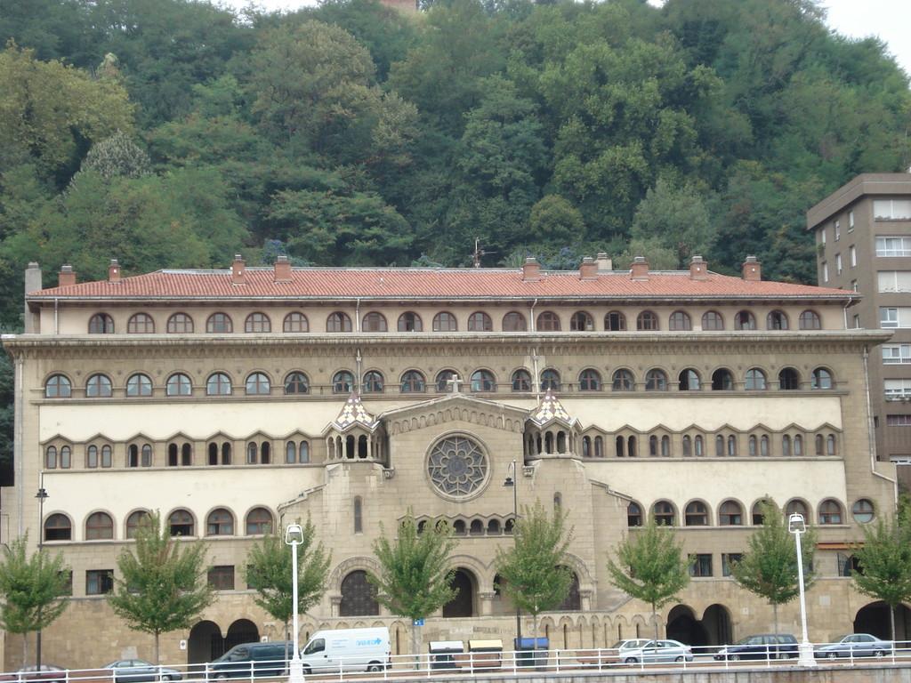 Eine der Universitäten von Bilbao, in der auch ausländische Studenten studieren