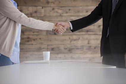 贈与契約 握手