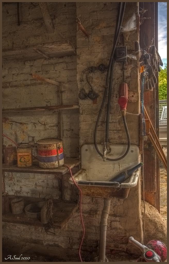 Waschbecken in einer alten Schmiede