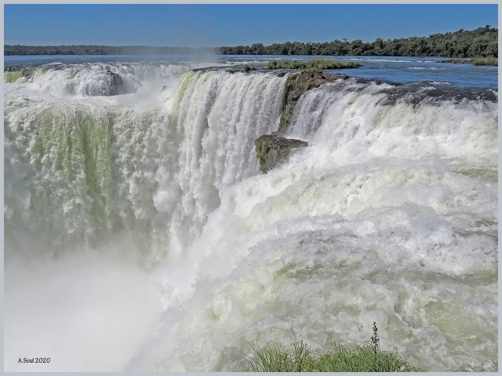 Blick in den Garganta del Diabolo/Iguazu