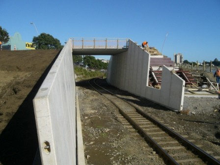 Retaining walls to Railway Corridor
