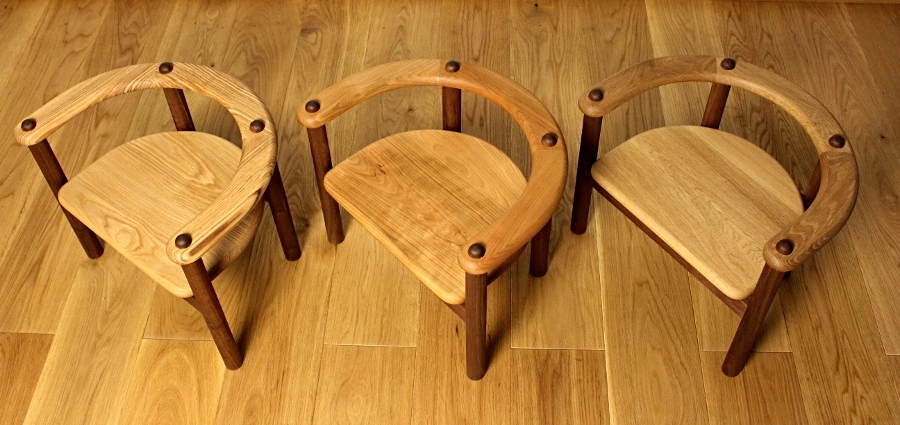 U字の子供椅子