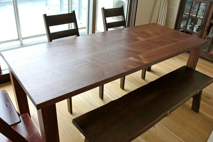 ウォルナットのシンプルダイニングテーブル(江東区・F様邸)