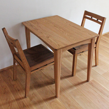 二人用シンプルダイニングテーブル(伊勢原市・K様邸)