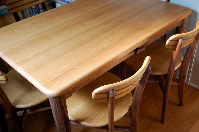 そら豆テーブルの雰囲気を残した四角いダイニングテーブル(中野区・S様邸)