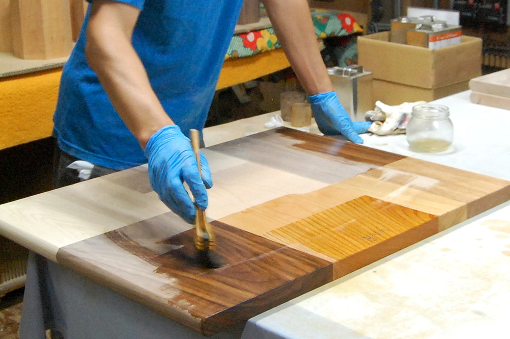 オリオ2で仕上げ塗装 木色、木目がはっきりしてきます