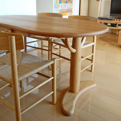 すべてナラ材で作ったそら豆テーブル(相模原市・Y様邸)