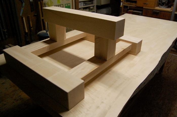 一枚板テーブルの脚を製作
