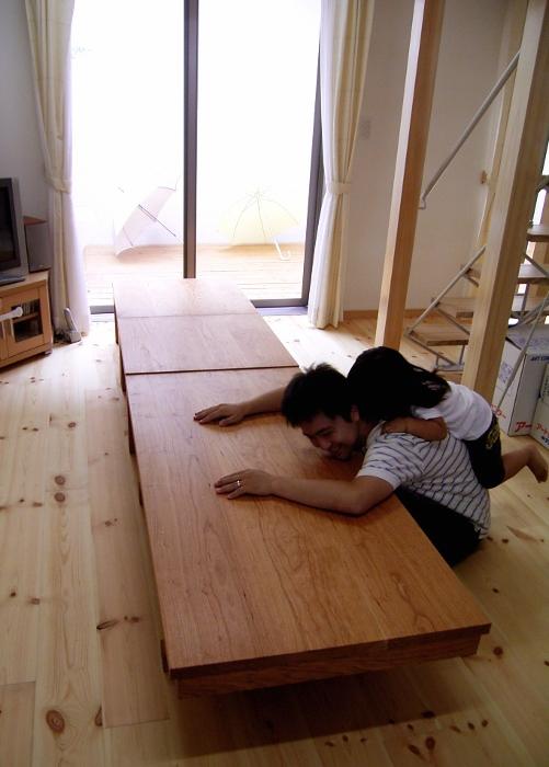 座卓にもなるシンプルダイニングテーブル (海老名市・S様邸)