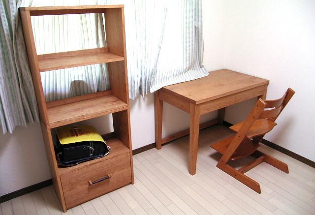 シンプル学習机とオープンラック(厚木市・O様邸)重ねたバージョン