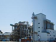 炭化炉設備で熱分解によりカーボン製造