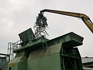シュレッダー設備への投入・破砕・選別