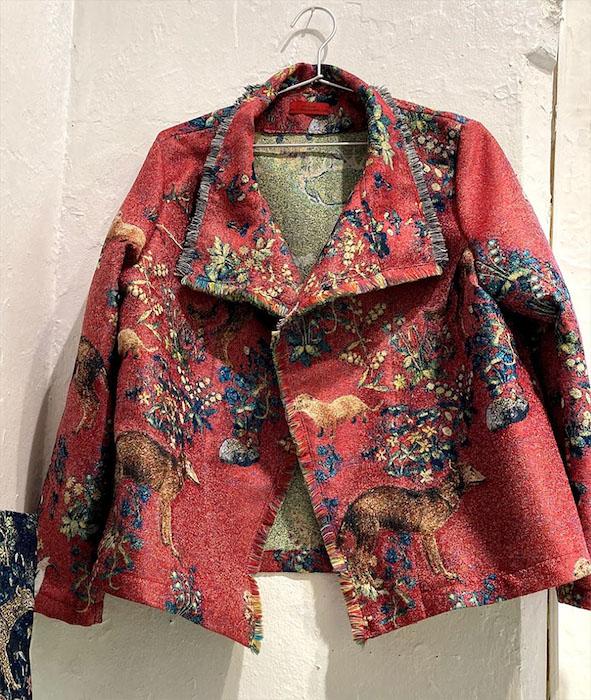 村山順子さんのオリジナル生地を使ったジャガード織物