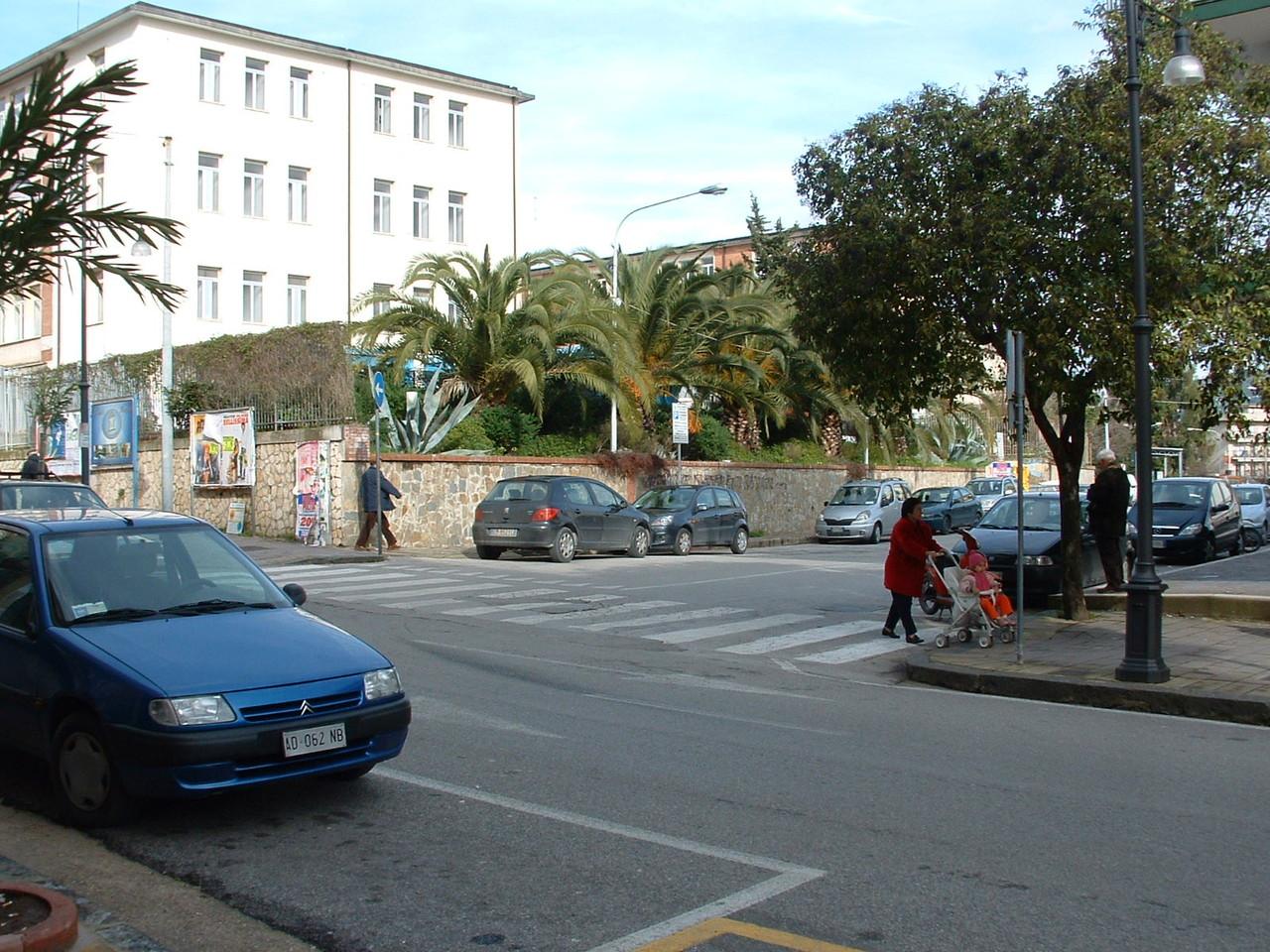 Agropoli: Costruzione di una palazzina polifunzionale (prima)