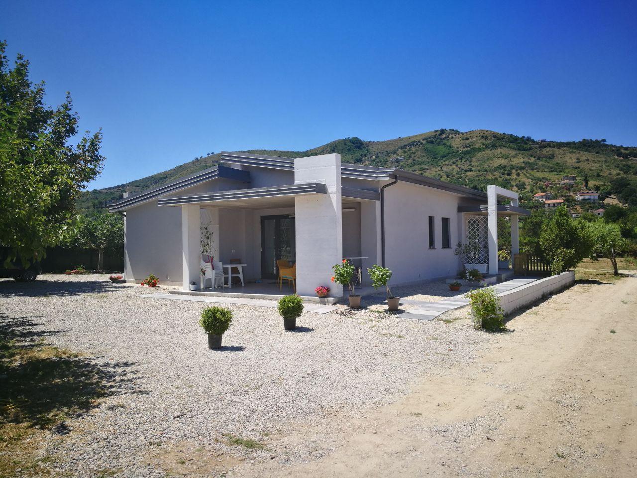 Risanamento conservativo e recupero statico di una casa vacanze  (dopo)