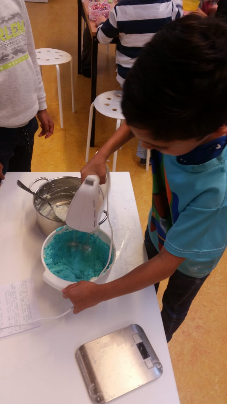 Meten, wegen en rekenen tijdens het bakken van cupcakes