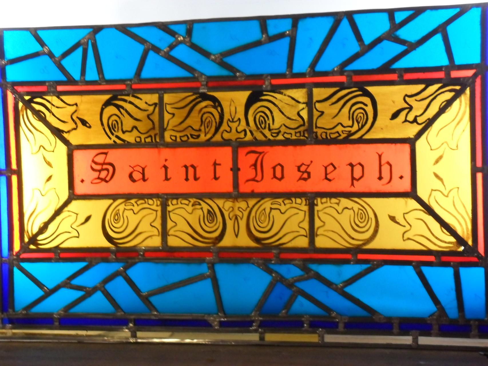 Vitrail de St Joseph - St Etienne de Gourgas 34