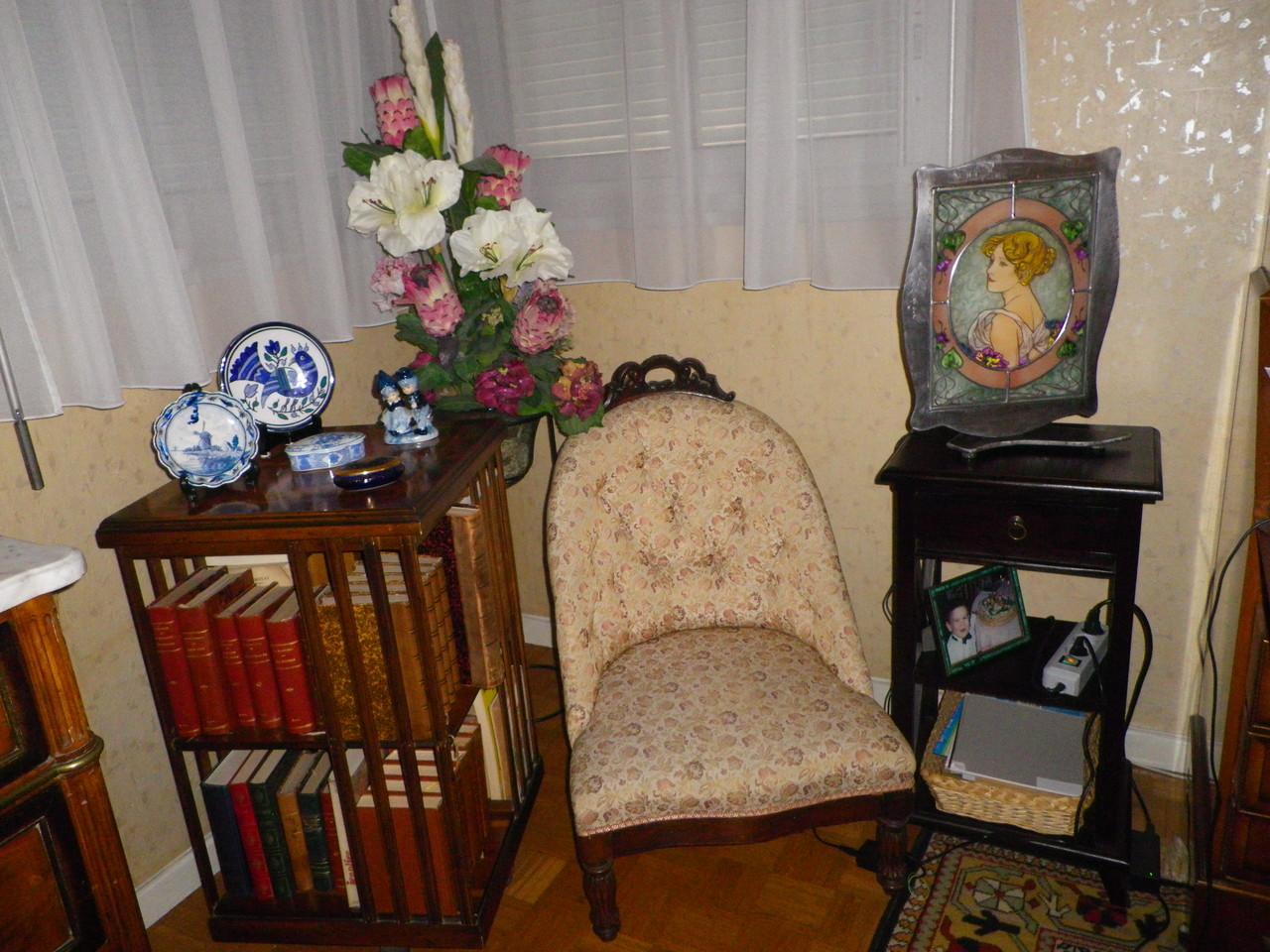 Cadre posé dans un salon