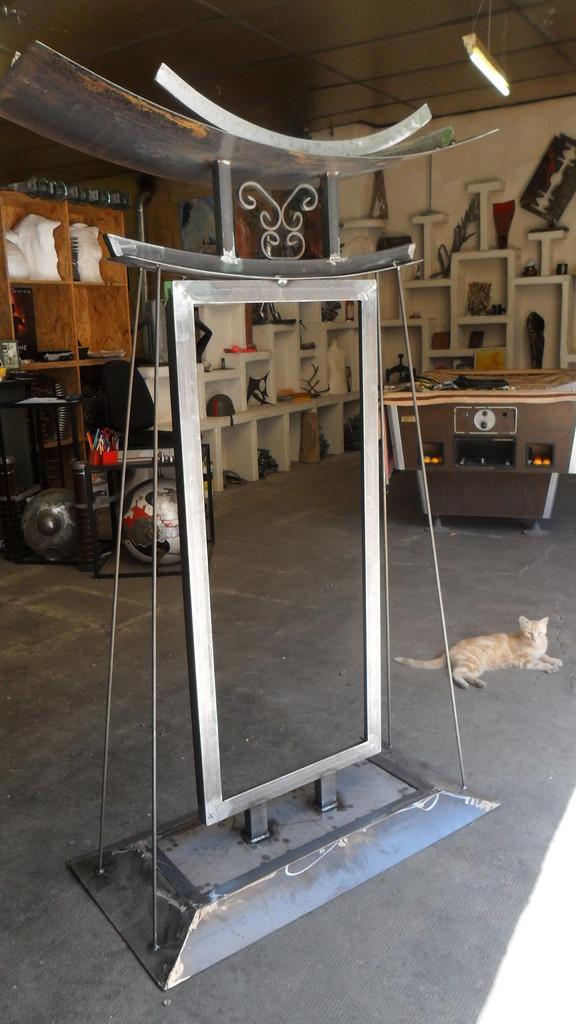 Cadre métal rouillé pour vitrail- Atelier Takavenir