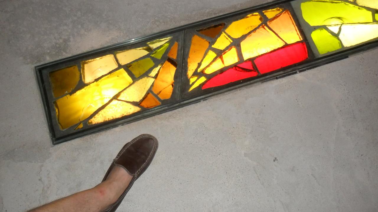 Pavage en dalle de verre-Art du Vitrail