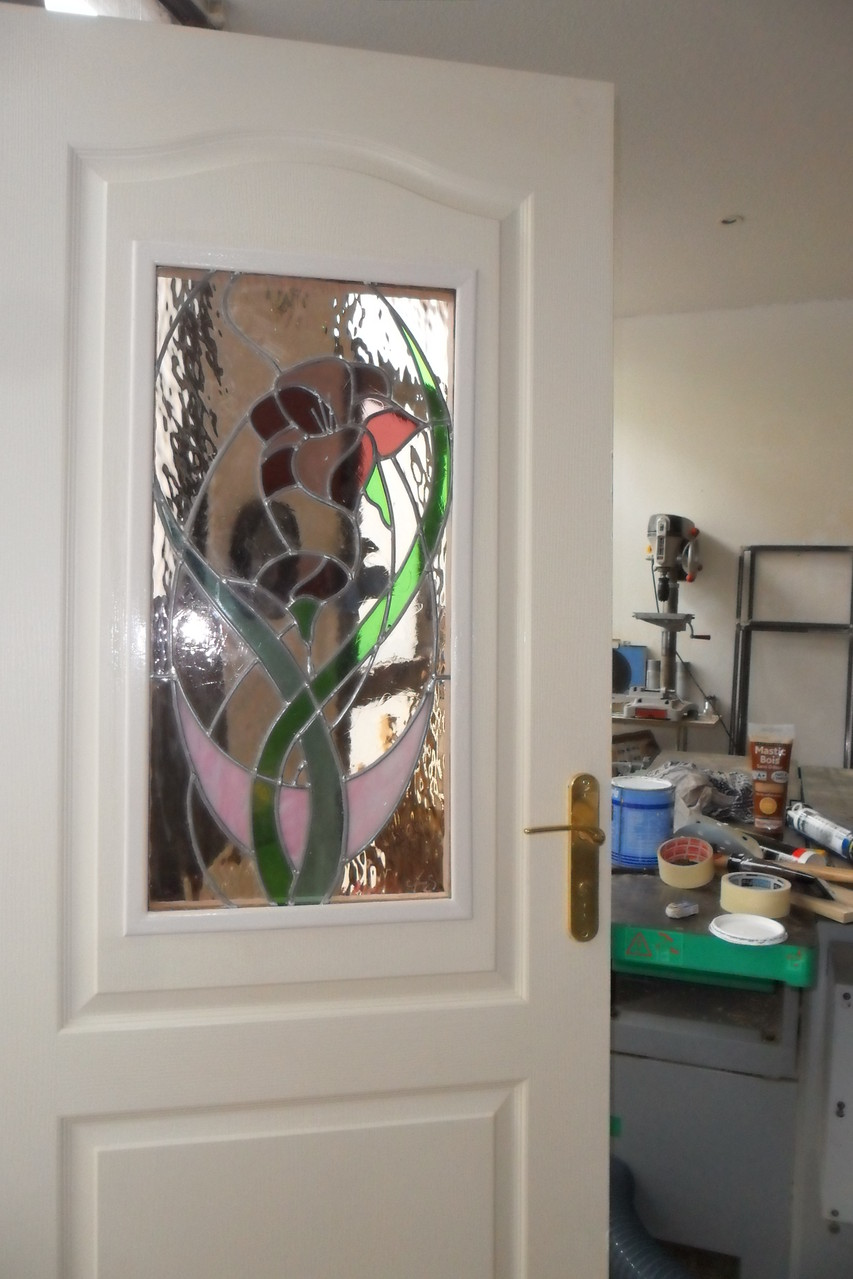 vitrail Fleur dans ovale- art du vitrail- Lodève 34