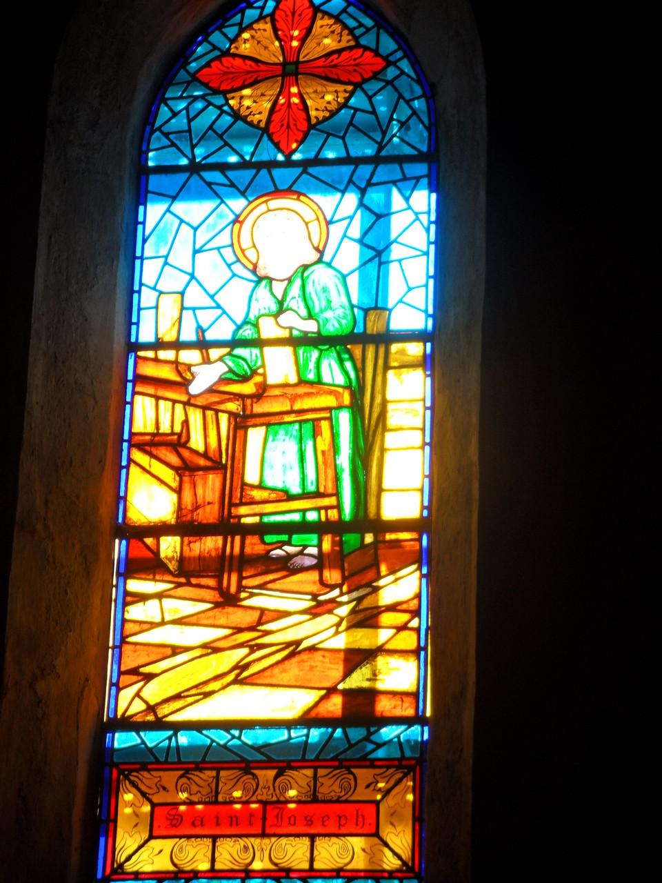Restauration Vitrail de St Joseph - St Etienne de Gourgas 34