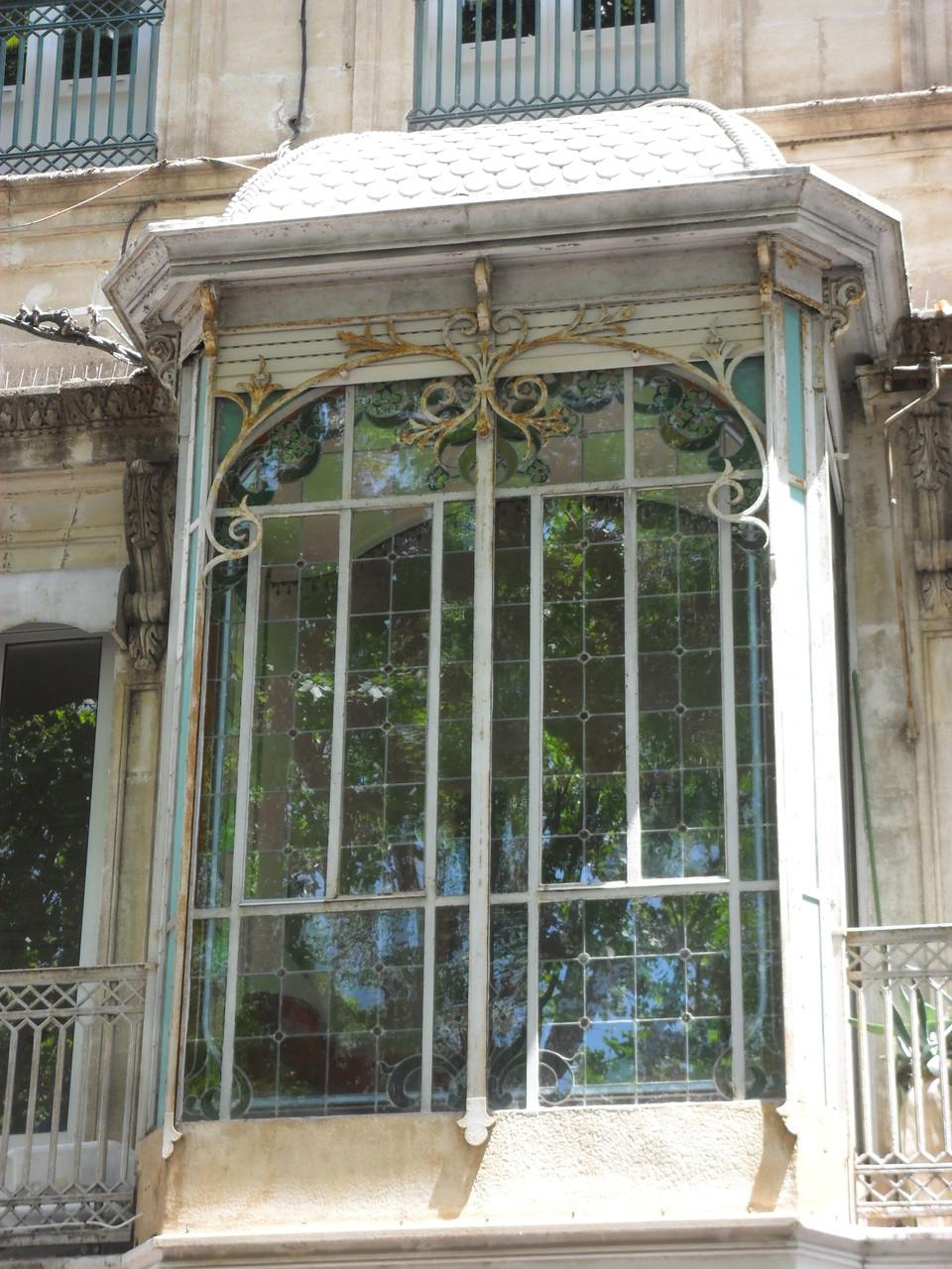 Restauration d'un oriel à Sète 34- Art du vitrail