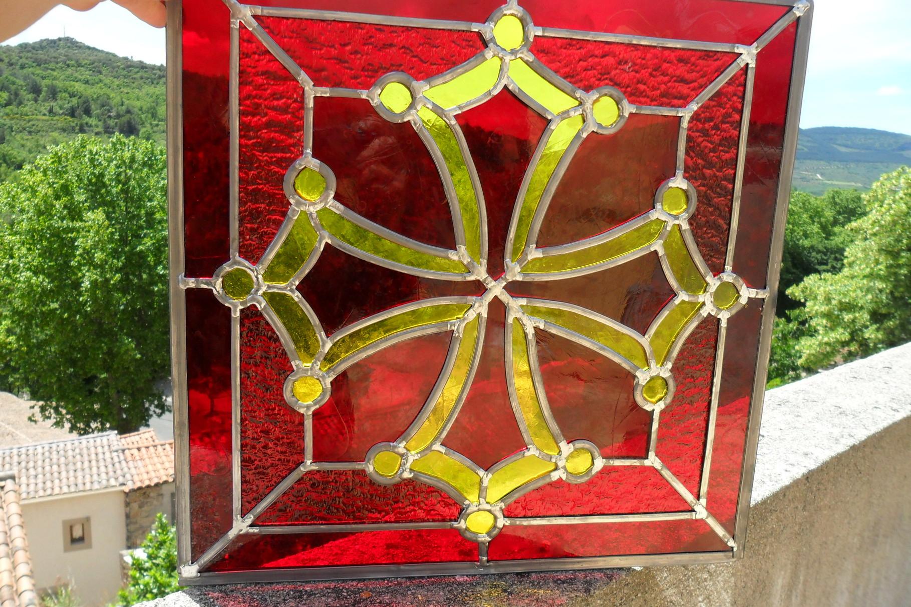 Vitrail Croix du Languedoc - Art du vitrail