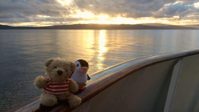 ...die See ist nun auch wieder ruhig und friedlich....