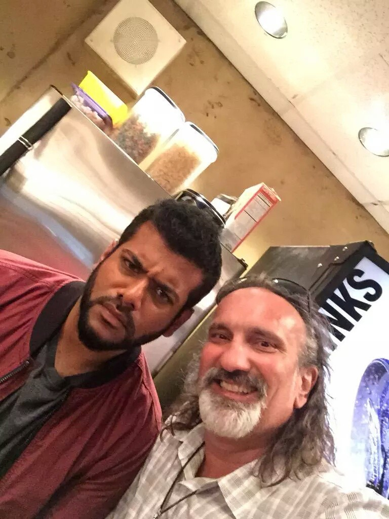 """""""Hanging out with some of the new cast @sunkrishbala #welcometocastle"""" (c)@RobKyker"""