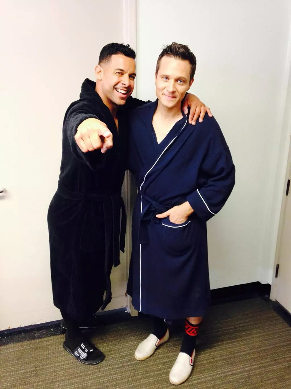 """""""@Jon_Huertas and @seamusdever have been relieved of their clothes and are heading back to their respective trailers."""" (c)@RedCarpetLuke"""