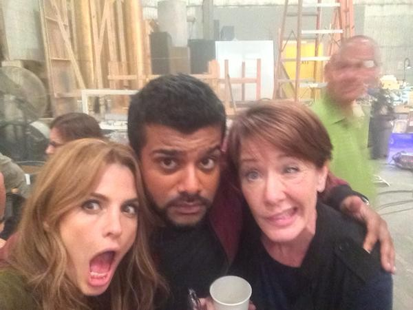 """""""Friday night getting a little loopy with @Stana_Katic and @AnnCusack."""" (c)@sunkrishbala"""
