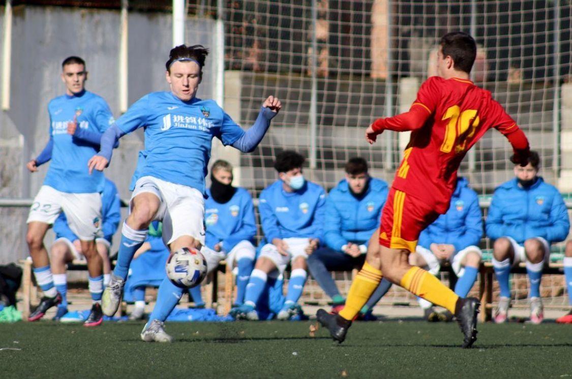 Deivid Andreas de JEP Sports cuaja un gran partido con el juvenil DH del Lleida Esportiu