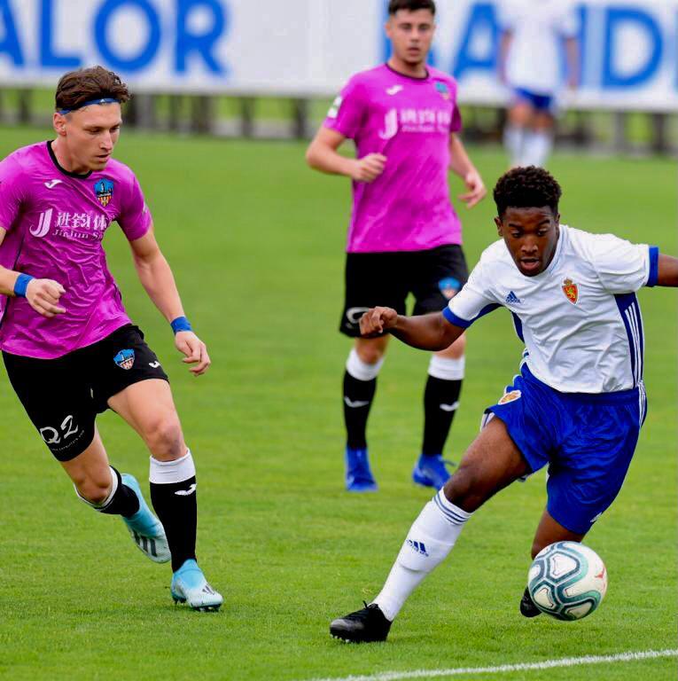 Deivid y Alin de JEP Sports, gran partido con el Lleida juvenil dh